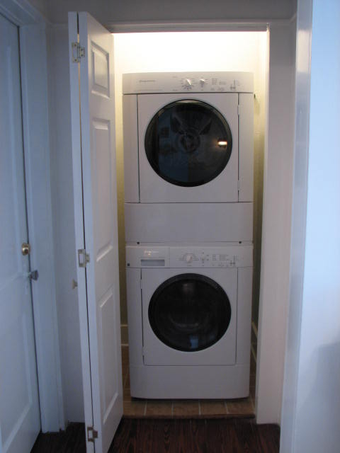 full size stackable washer and dryer roselawnlutheran. Black Bedroom Furniture Sets. Home Design Ideas